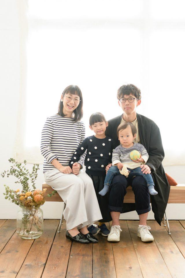 スタジオ撮影での家族写真例01